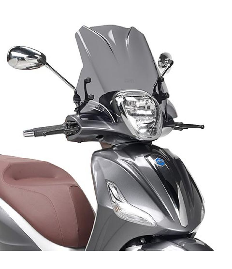 5606S Cupolino GIVI fumé per scooter Piaggio Beverly 125ie-300ie dal 2010 e Beverly 350 Sport Touring dal 2012